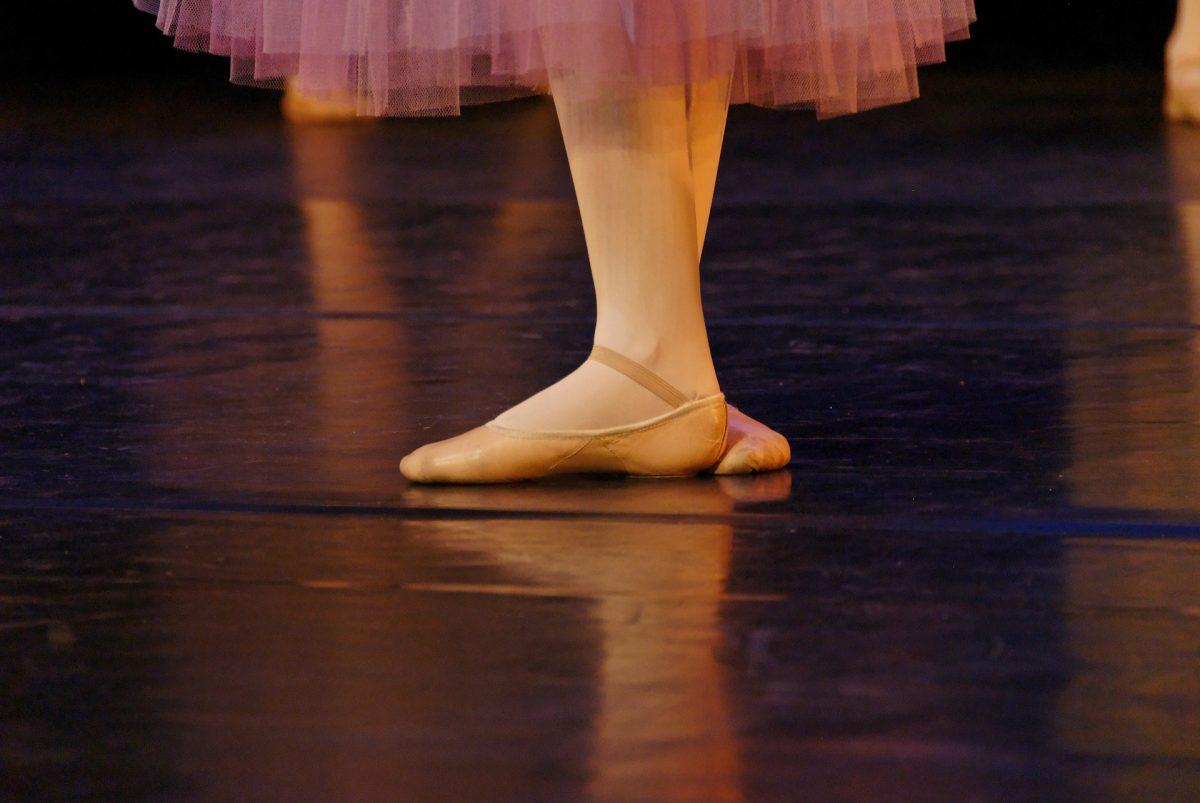 Salut! Ma numesc Andreea, am 34 de ani si fac balet
